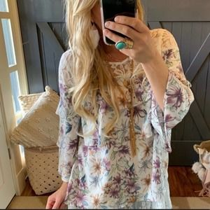 New Boho Floral Ruffle And Lace Flowy Top Medium